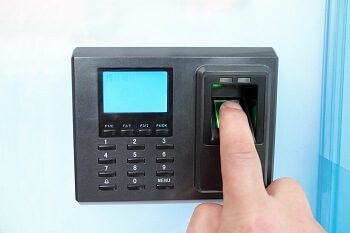 locksmith Carlsbad biometric lock using fingerprint